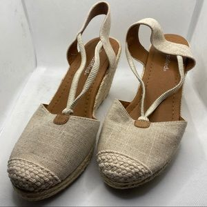 City Classified Wedge Canvas Strap Shoes NWT